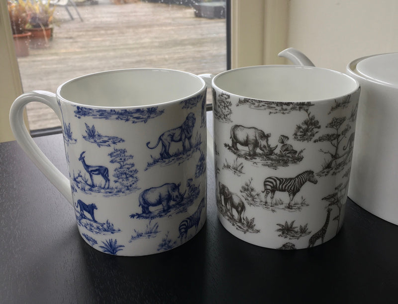 2 Fine Bone China 1 Pint Safari Print Gift Mugs/Beaker (1 BLUE & 1 BLACK)