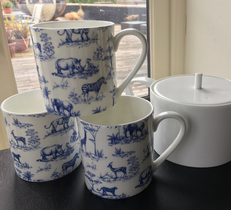 3 Fine Bone China 1 Pint Safari Print Gift Mugs/Beaker (Blue)