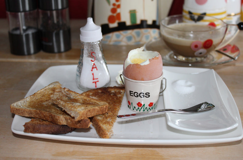 4 Egg Cup & Spoon Gift Set