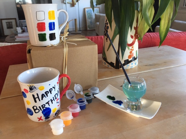 Paint Your Own Mugs with Gift Tag (2 mugs brights)