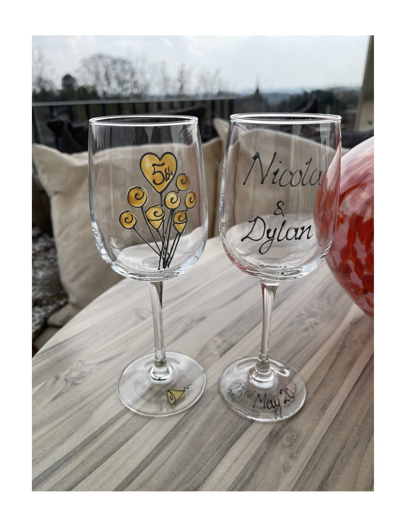 Personalised 5th Anniversary Wine Drinking Glasses Flower