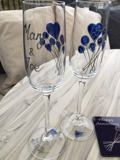 65th Wedding Anniversary Champagne Glasses: (Flower)