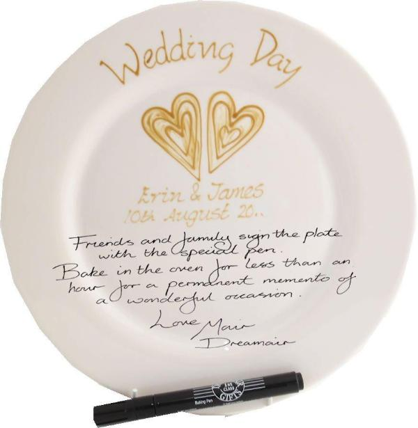 Personalised Wedding Day Plate Round (Gold Hearts)