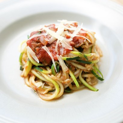 Healthy Zoodles with Tomato Sauce Mummycooks