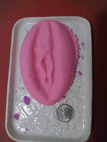 Vagina shaped bath bomb, novelty bath bombs, gag gift, mature content, dick shaped bath bombs, bachelor party, bachelorette party, dirty