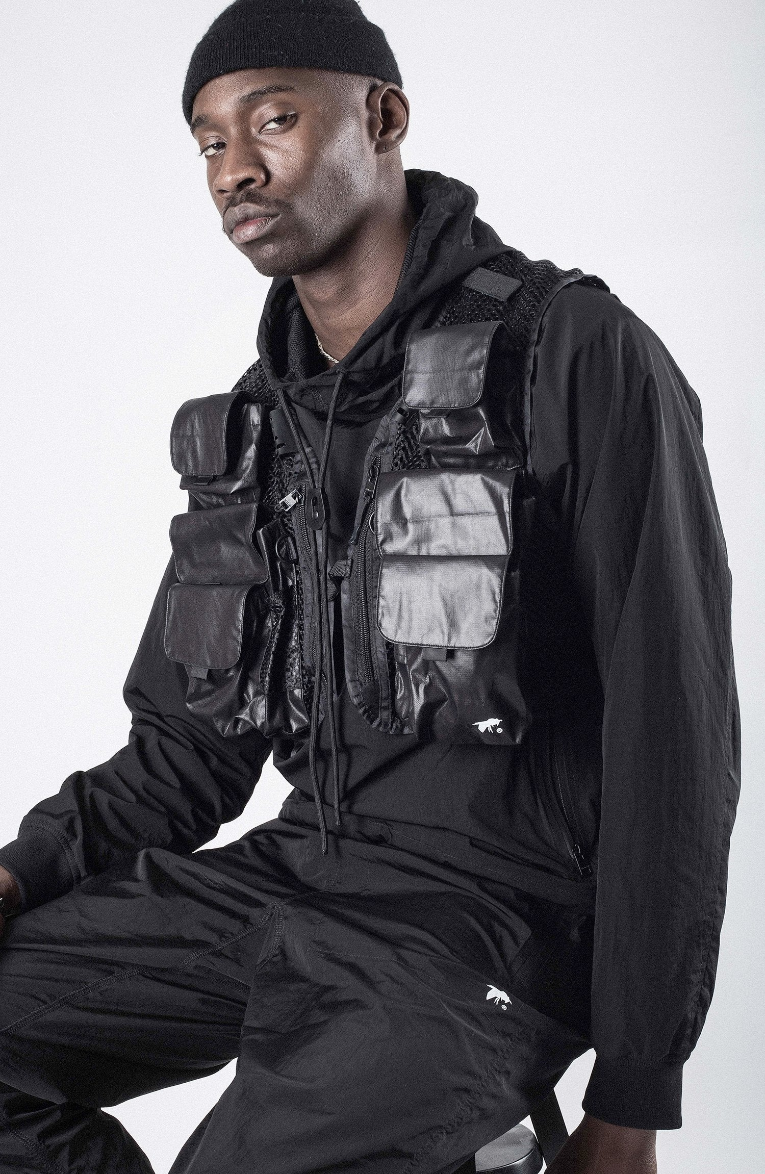 BLACK ESCAPE UTILITY VEST