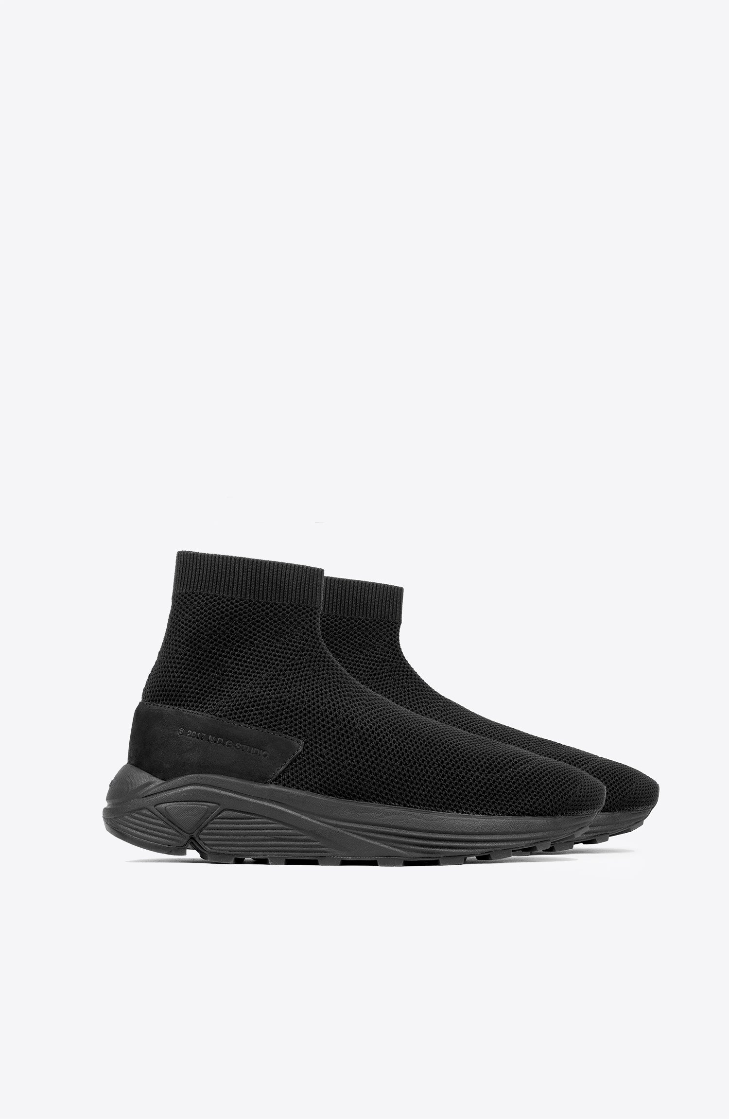 TRIPLE BLACK 2084 SOCK SNEAKERS