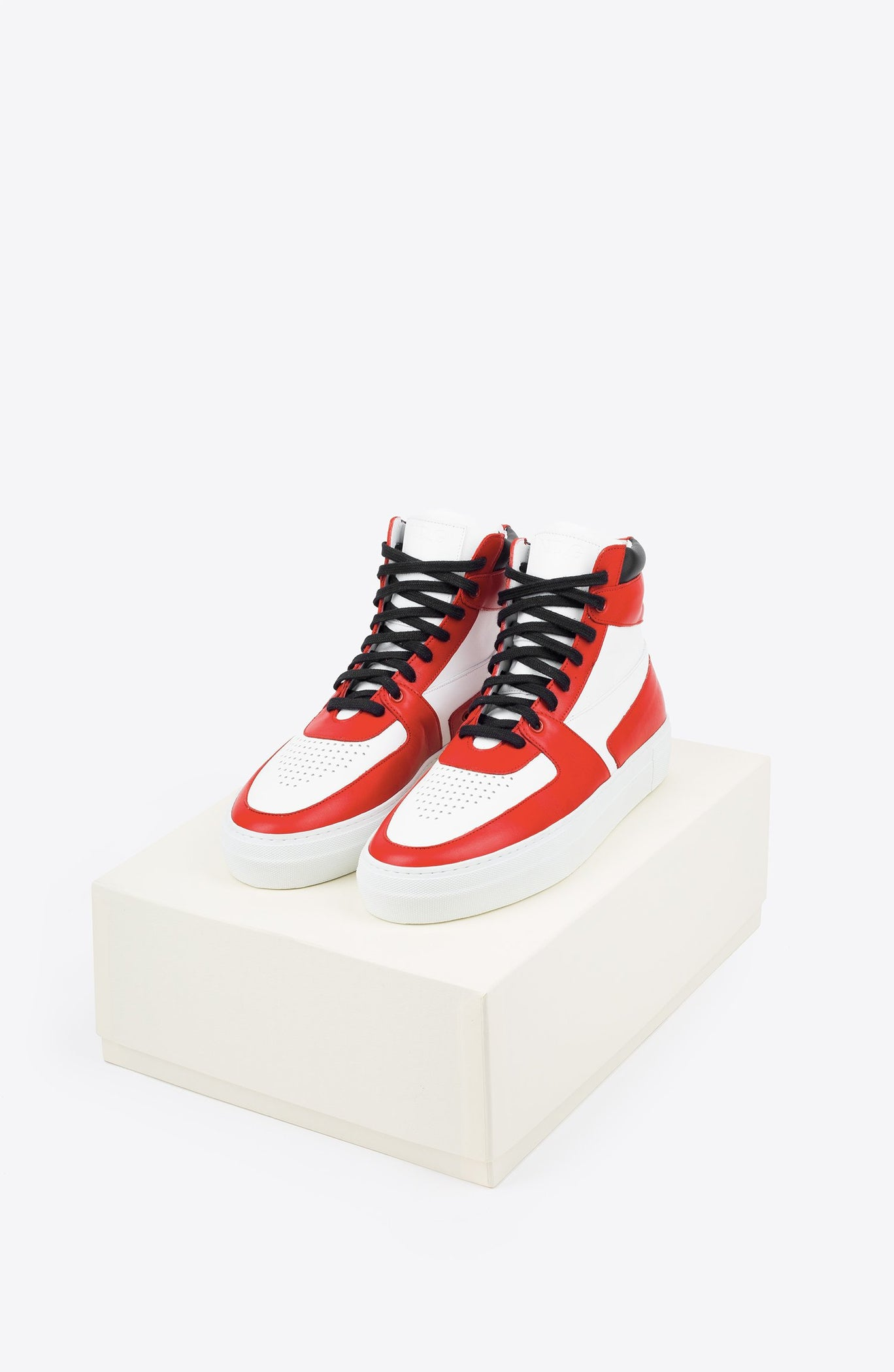 AWAY RED 1984 SNEAKER