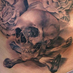 Tatouage cross-bones skull