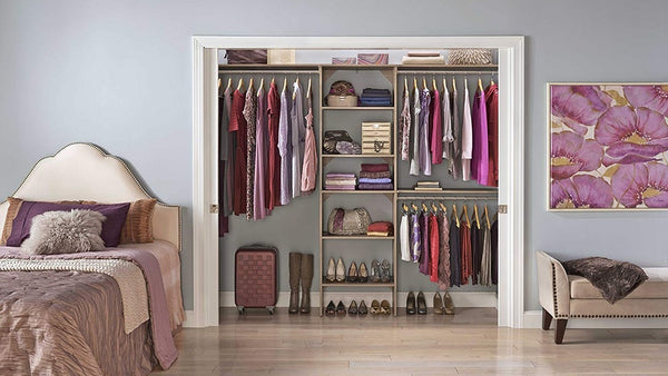 SPRING CLEANING CHECKLIST: HOW TO ORGANIZE YOUR CLOSET