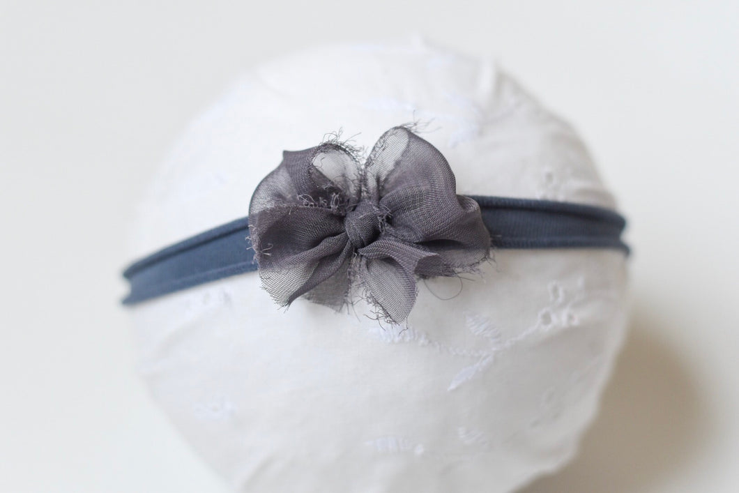 Dainty Bow Grey