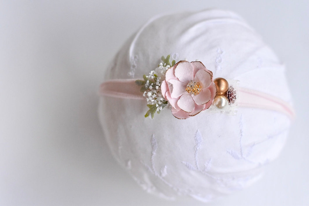 Light Pink Flower & Gold