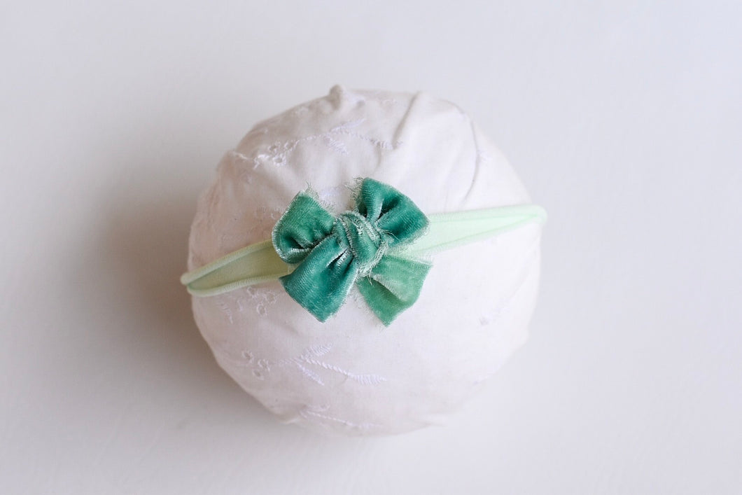 Sea green velvet bow