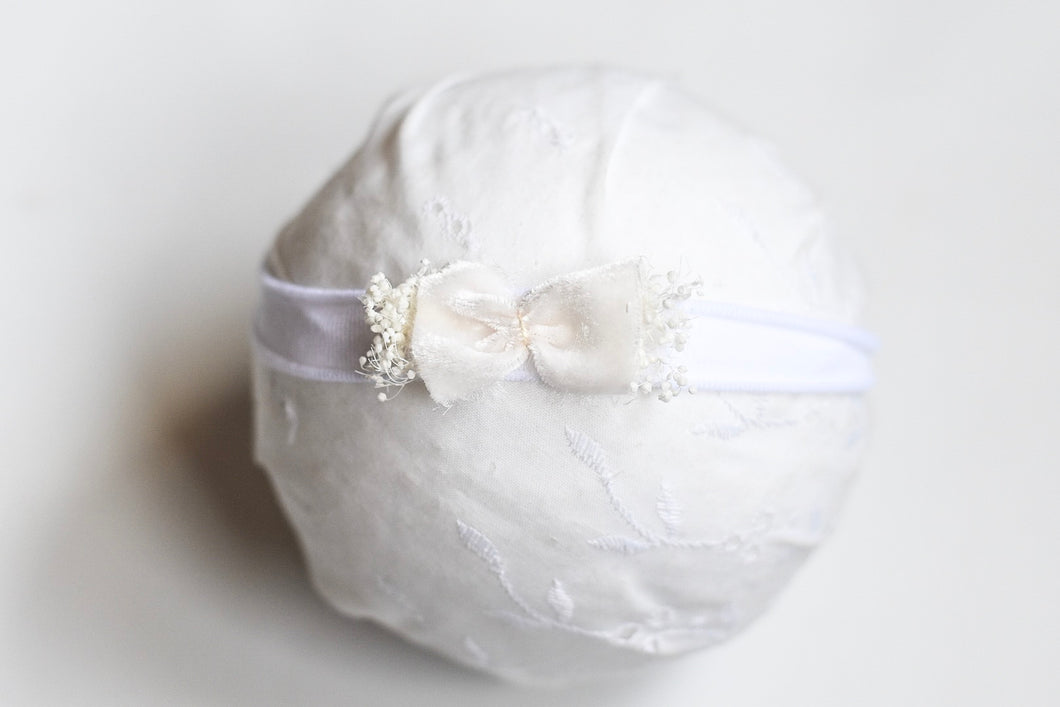 White Velvet Chic Bow