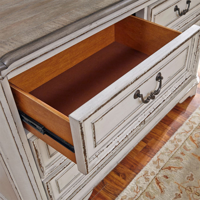 Liberty Furniture | Youth Bedroom Dressers & Mirrors in Charlottesville, Virginia 4670