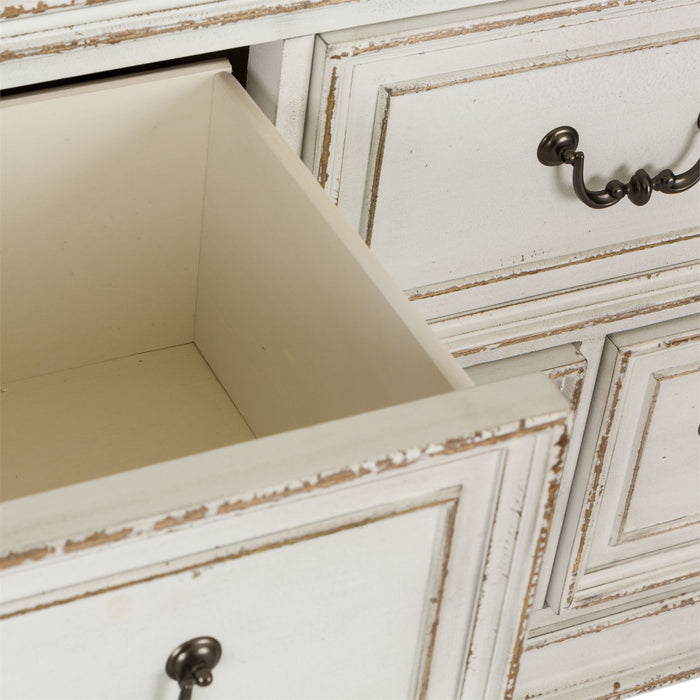 Liberty Furniture | Bedroom Dressers and Mirrors in Baltimore, Maryland 3047