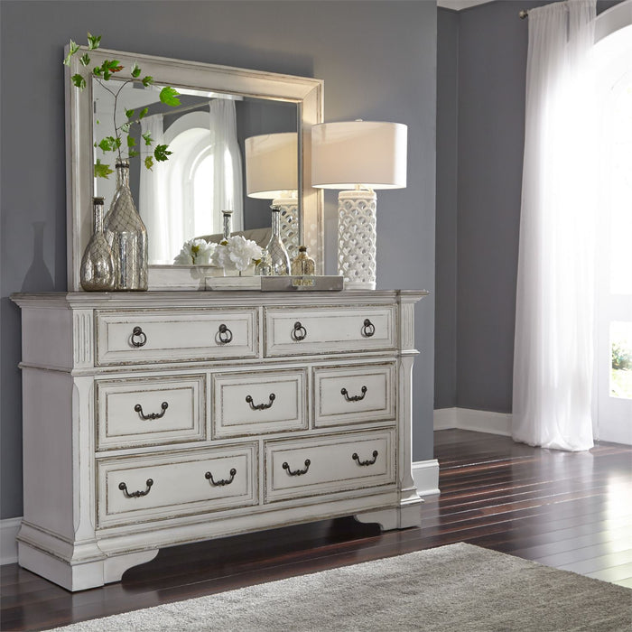 Liberty Furniture | Bedroom Queen Uph Sleigh 5 Piece Bedroom Sets in Pennsylvania 3204