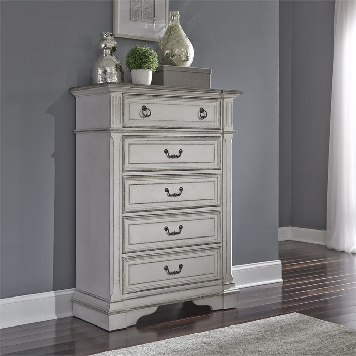 Liberty Furniture | Bedroom 5 Drawer Chests in Winchester, Virginia 3014