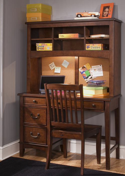Liberty Furniture | Youth Student Desks And Hutches in Winchester, Virginia 1513