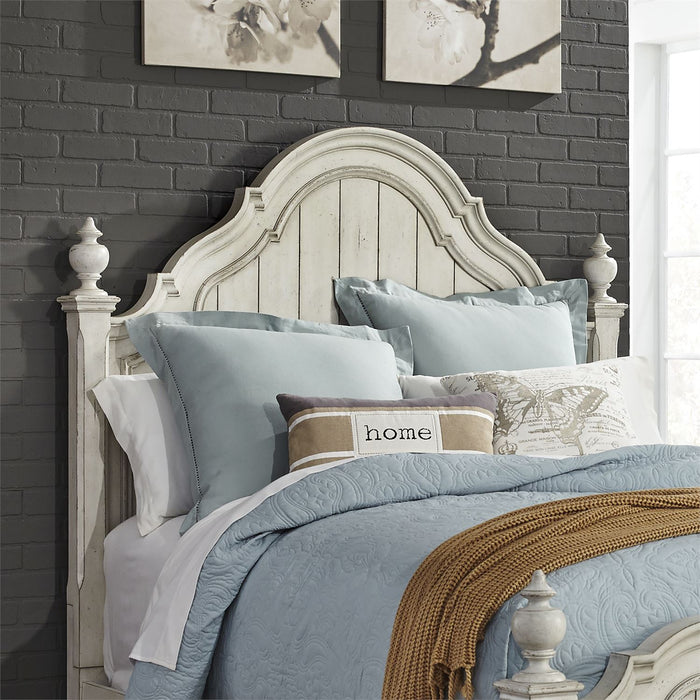 Liberty Furniture | Bedroom (698-BR) Queen Poster Beds in Lynchburg, Virginia 2906