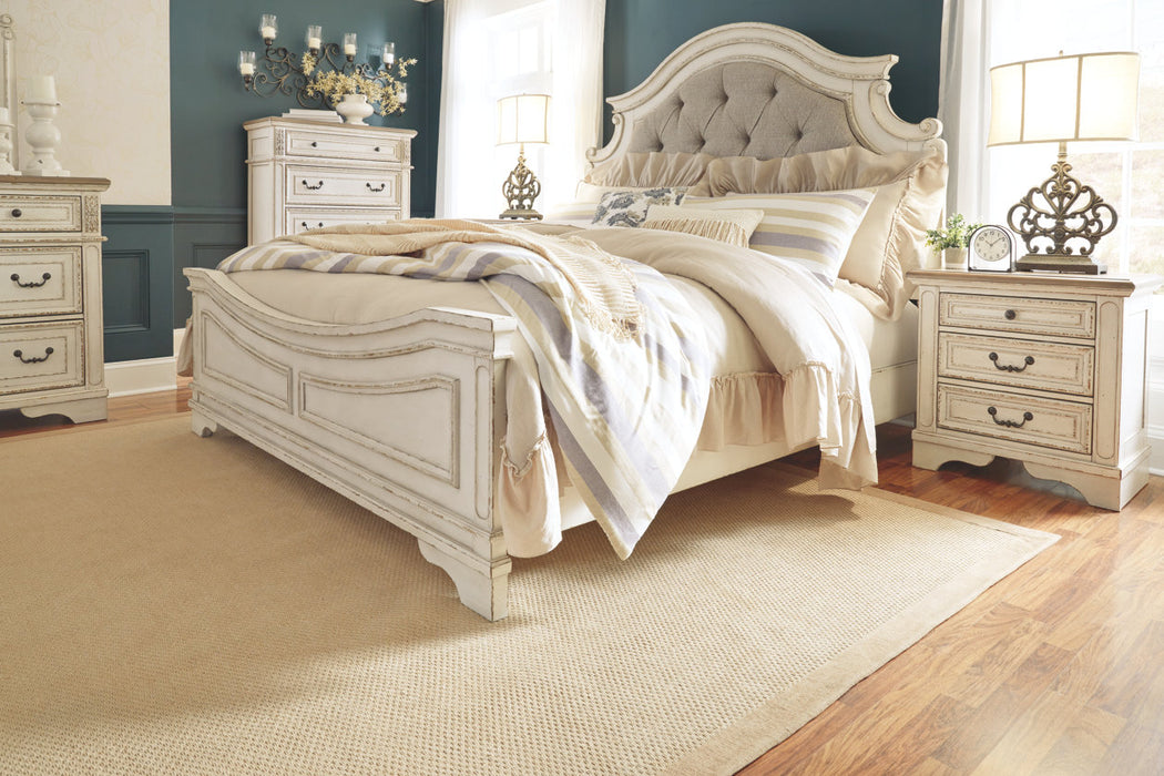 Ashley Furniture | Bedroom Queen Uph Panel 4 Piece Bedroom Set in Pennsylvania 7987
