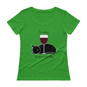 Be a darling, pass the vino Mr. Kitty!