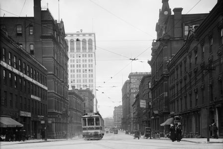 Looking Down Griswold Street (1904)
