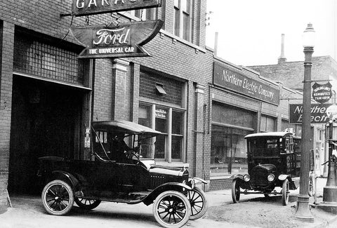 Car Leaving The Garage on Pitt Street (1920's)- Downtown Windsor