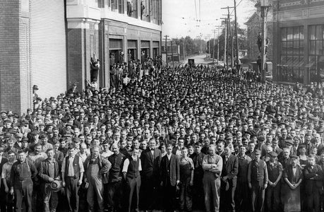 Ford Factory Workers Gather (1914) - Ford City
