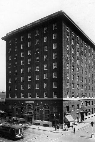 Prince Edward Hotel - Downtown Windsor