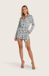 willow-tessa-romper-jumpsuit-jumper-shorts-long-sleeve-removable-belt-collar-pockets-printed-black-white-sand-blue-tortoise-shell-buttons-safari-style-spring-light-weight-breathable-comfortable