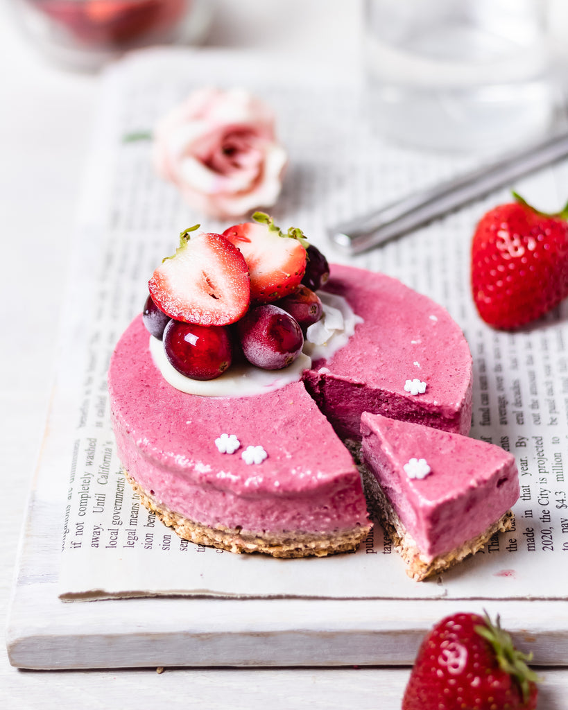 Vegan Strawberry Cheesecake by @vegamelon