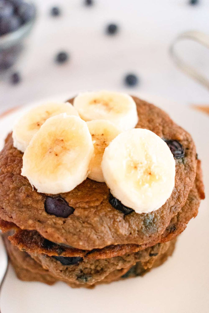 Blueberry Banana Pancakes by @wonderandcharm