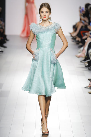 https://www.vogue.com/fashion-shows/spring-2018-ready-to-wear/badgley-mischka