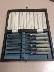 Set of 6 Mother of Pearl knifes in original case