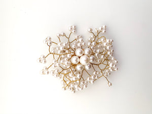 Elegant Beaded Faux Pearl Flower Brooch - FREEda Women NYC