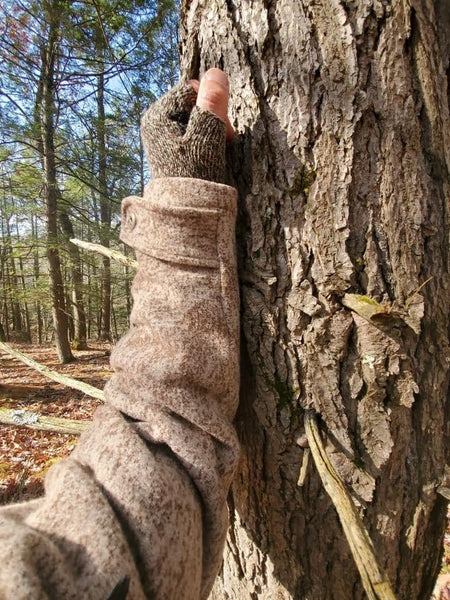 WeatherWool Advisor David Alexander is a professional Naturalist who provided us with several photos comparing Lynx Pattern to the bark of several different types of trees, including this White Pine