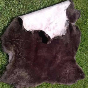 WeatherWool uses real Mouton, the plushest true fleece, to line the inside of our Mouton Jacket, Vest, Hat and Muff. No plastic here! Here, Mouton Pelt showing back hide