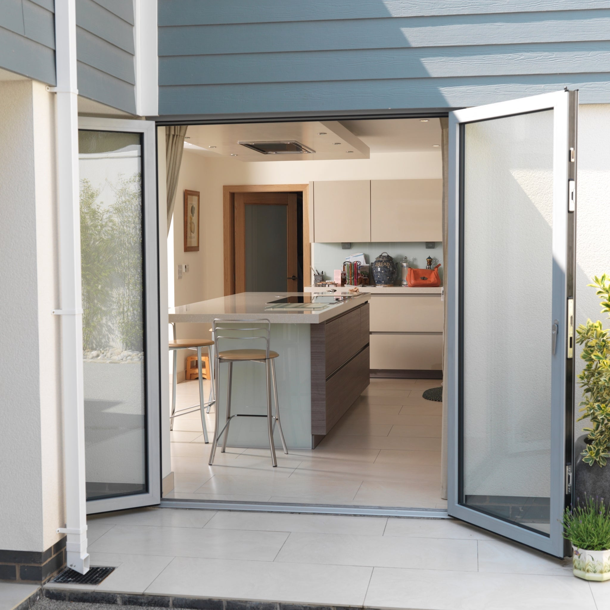 mirrored trifold panel folding bypass prehung wood glass how is fold bifold interior door much bi bathroom lowes sliding louvered doors frosted mirrors what pantry with closet