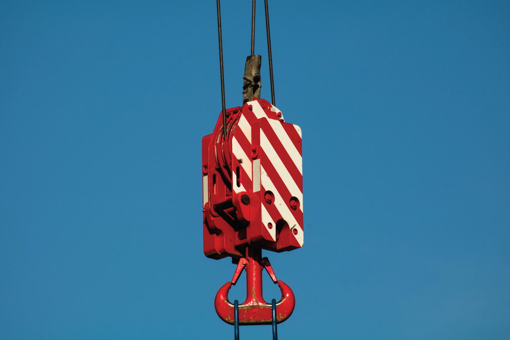 TIPS FOR SAFE CRANE OPERATION WITH THE HIGHEST PRECISION STANDARDS