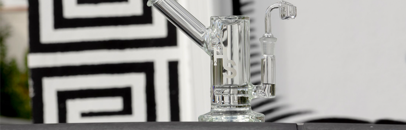 Higher Standards Heavy Duty Glass Rig on table