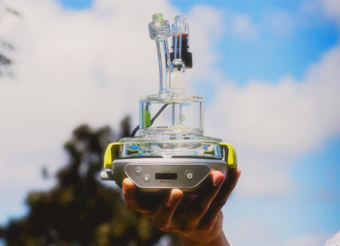 hyer-big-e-torchless-dab-rig-april-new-product-spotlight