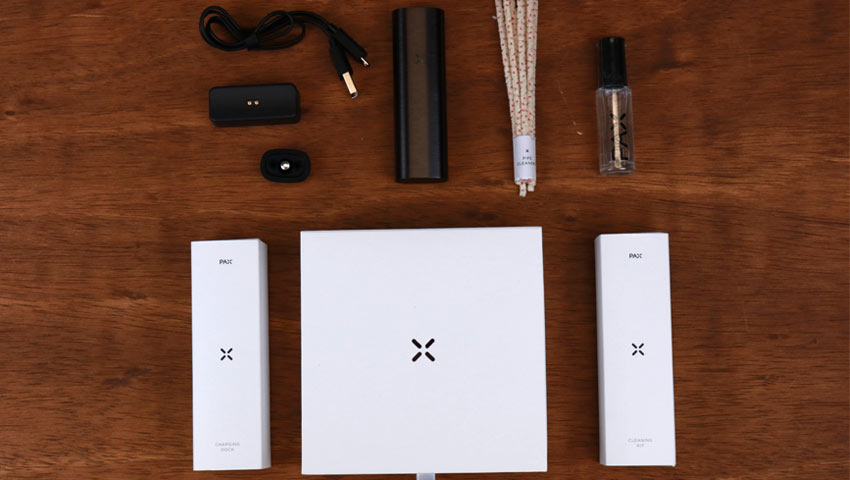 PAX 2 box with accessories