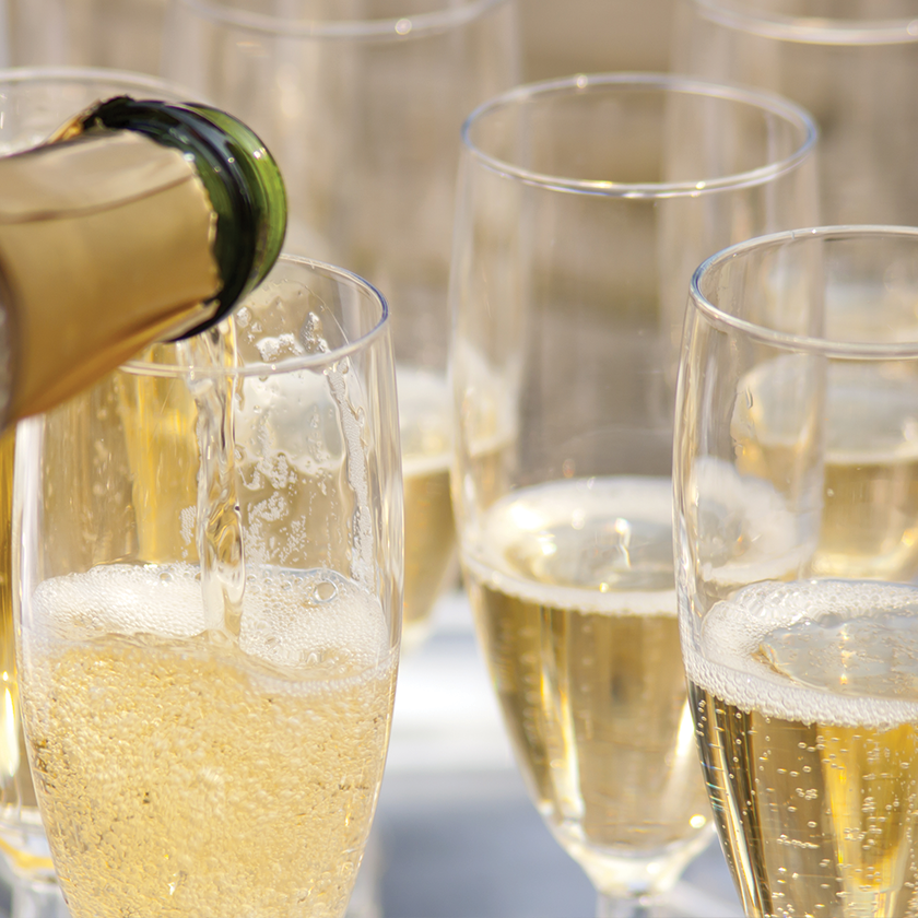 Send Champagne Gifts to Corsicana, Texas