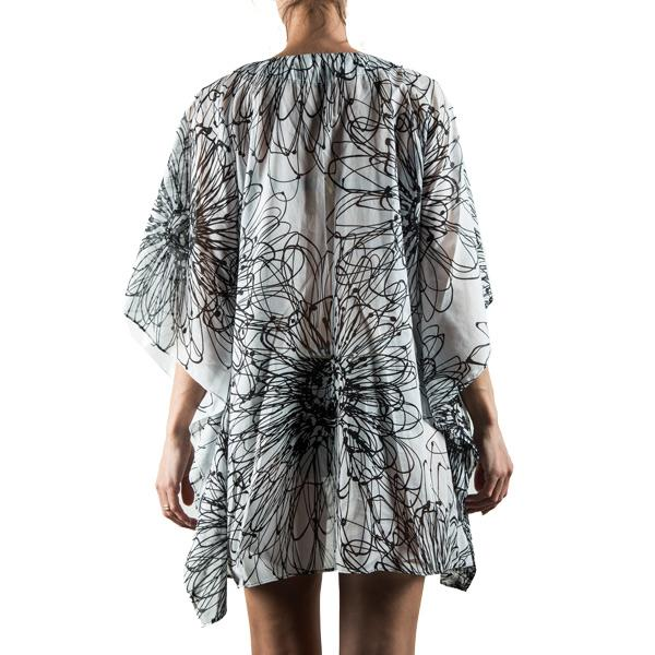 Caftan summer dress with front opening in black and white Daisy print