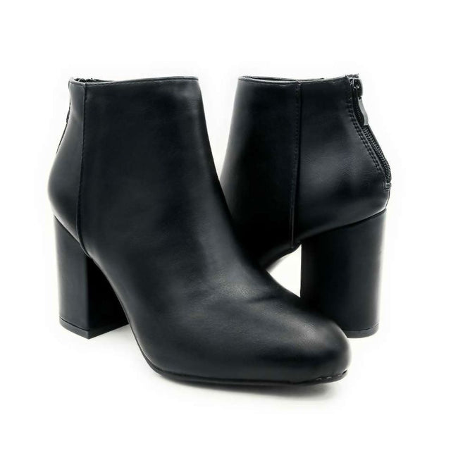 Forever Rosie-33 Black PU Color Boots Both Shoes together, Women Shoes