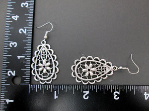 earrings with measurement