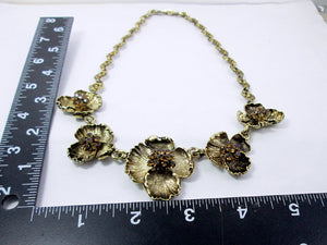 antique gold flower sculpture necklace with measurement