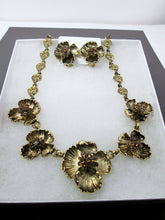 Load image into Gallery viewer, antique gold flower sculptures jewelry set