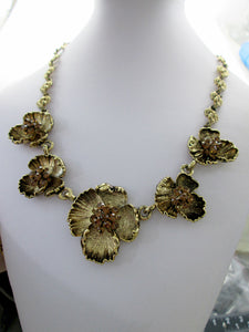 antique gold flower sculpture necklace